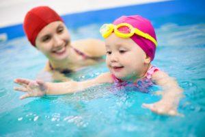 Занятия плаванием для младенцев грудного возраста